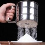 Stainless Steel Hand Hold Flour Sieve Sugar Powder Sieve for Cooking Baking Tools