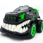 2.4G Trick 360 ° Rotation Upstanding Teeth Remote Off-road Vehicle Devil Electric Toy Car Model
