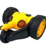 2.4G360 ° Rotation Bee Creative Lighting Effects Drift Electric Car Remote Control Toy Model