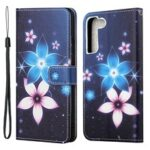 Pattern Printing Cross Texture PU Leather Wallet Case Phone Cover with Wrist Strap for Samsung Galaxy S22 – Flower